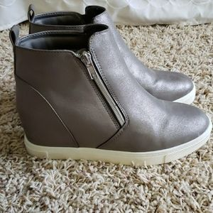 Shimmery gray wedge shoes